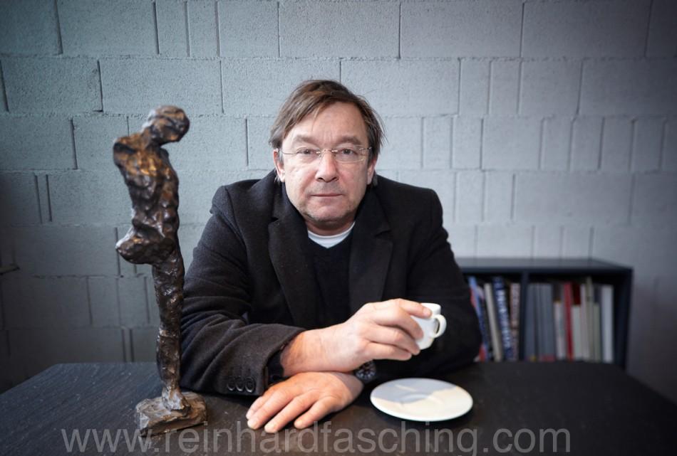 Reinhard Fasching fotografiert den Vorarlberger Künstler Udo Rabensteiner